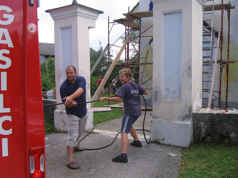 fasada-cerkev-11-6-2011-007